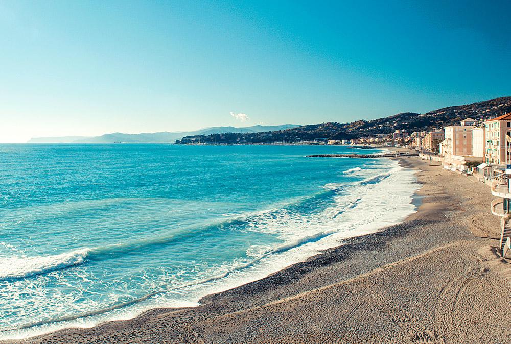 Albaro Beach